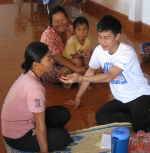 Students interviewing villagers at Nong Waeng village on the second day of the event.